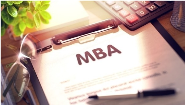 The right way to network in an online MBA program