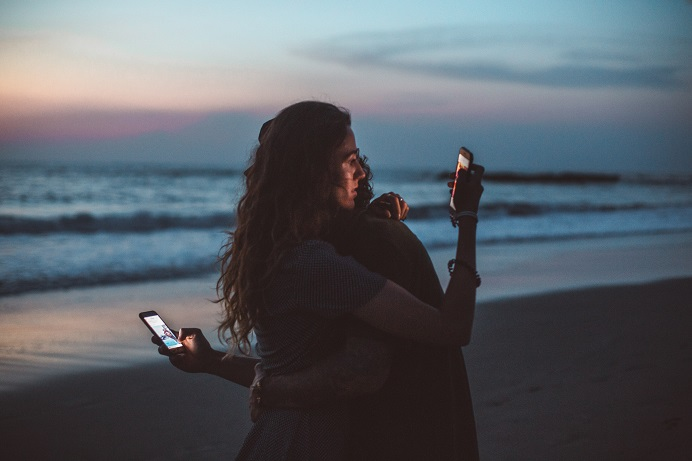 How_Social_Media_Influence_Relationships